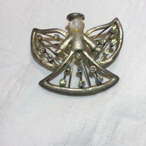Jewelry - VTG PEARL&CRYSTAL ANGEL BROOCH
